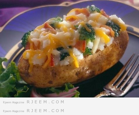 قوارب البطاطا المحشية اللذيذة