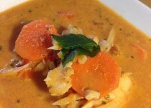 حساء السمك بجوز الهند