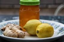 العسل  و الليمون للتخلص من الام الحنجرة و الحلق