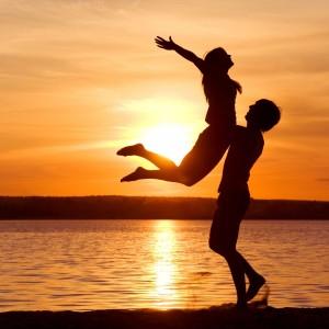 7 طرق  لتجديد  و احياء شعلة الحب بينك و بين زوجك