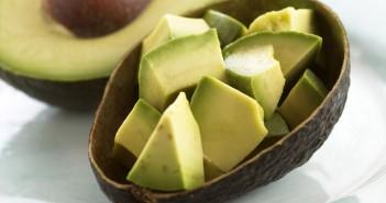 الأفوكادو يخفض الكولسترول ويقلل خطر مشاكل القلب