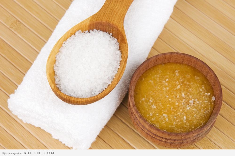 0b5952434 لتحضير مقشر الجسم من السكر والبرتقال، يمكنكِ خلط ½ كوب من السكر الخشن، 2  ملعقة كبيرة من الحليب كامل الدسم، 1 كوب صغيرة من زيت ...