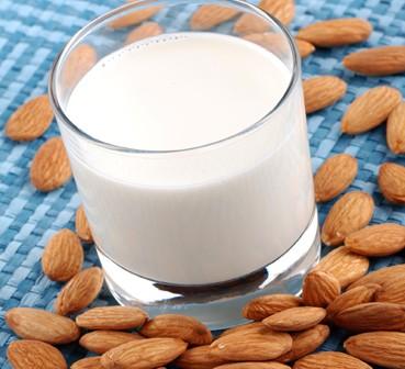 496-lait-d-amande