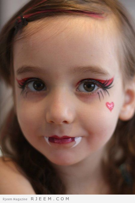 Nadine's Dreams Photo Gallery - Draculaura face paint | Monster High Face Paint: