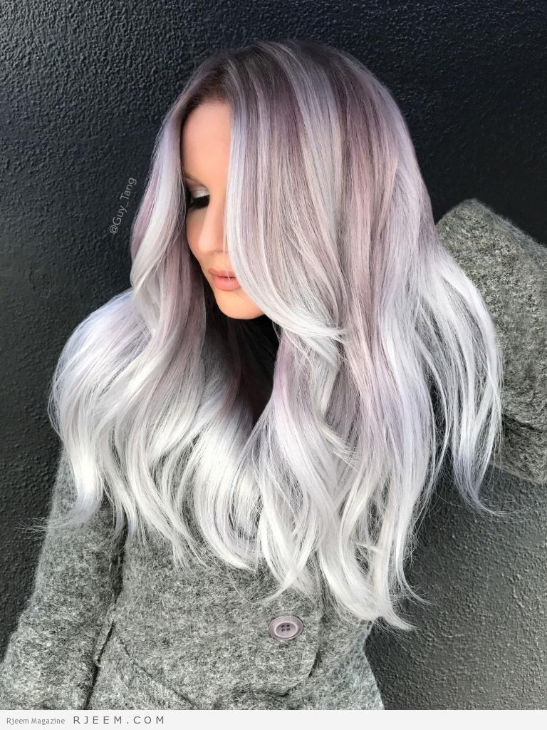 اللون الفضي