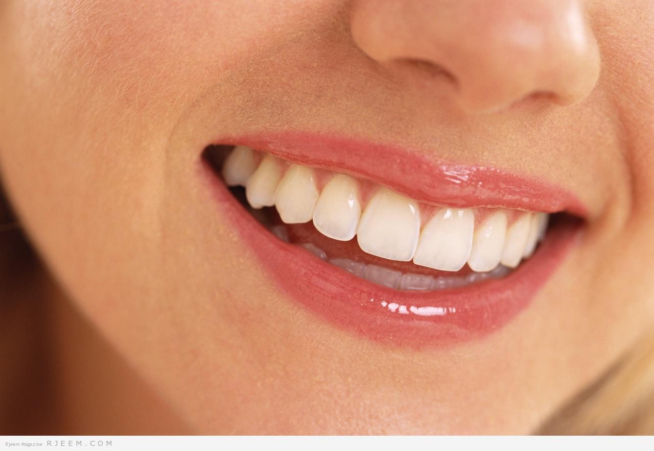 Photo of طريقة رائعة ومجربة  لتبييض الأسنان بدون تكلفة في 4 دقائق
