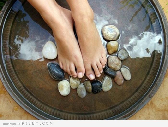 Photo of كيفية عمل حمام للقدمين مضاد للعرق