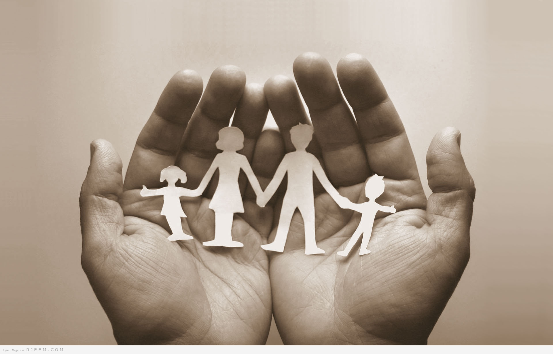 Photo of كيف تكسبين ود عائلة زوجك