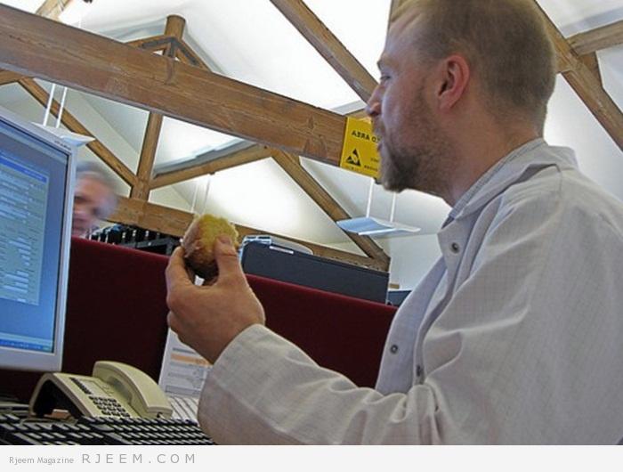 Photo of 8 عادات في المكتب تسبب الدهون