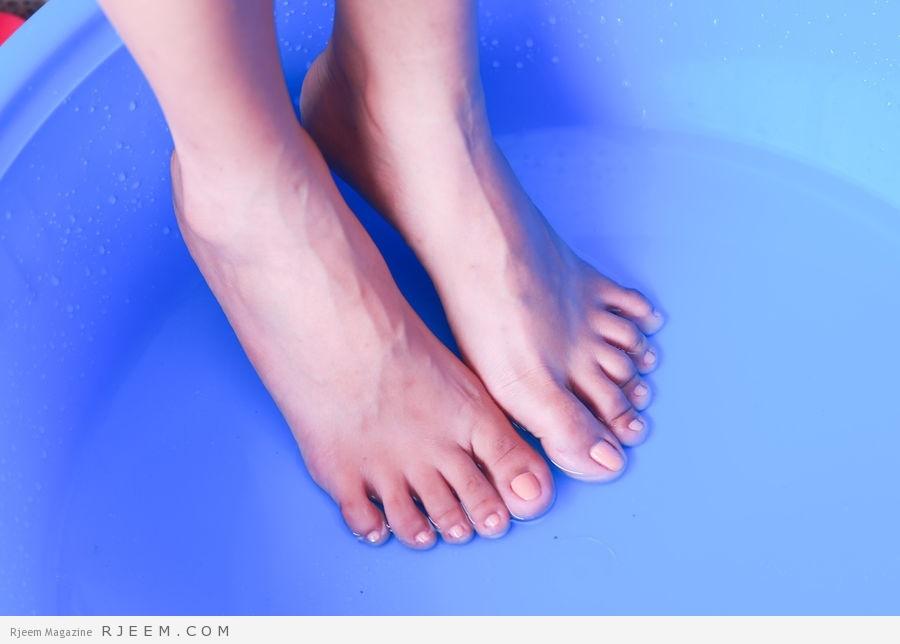 Photo of 5 وصفات فعالة لتفتيح القدمين