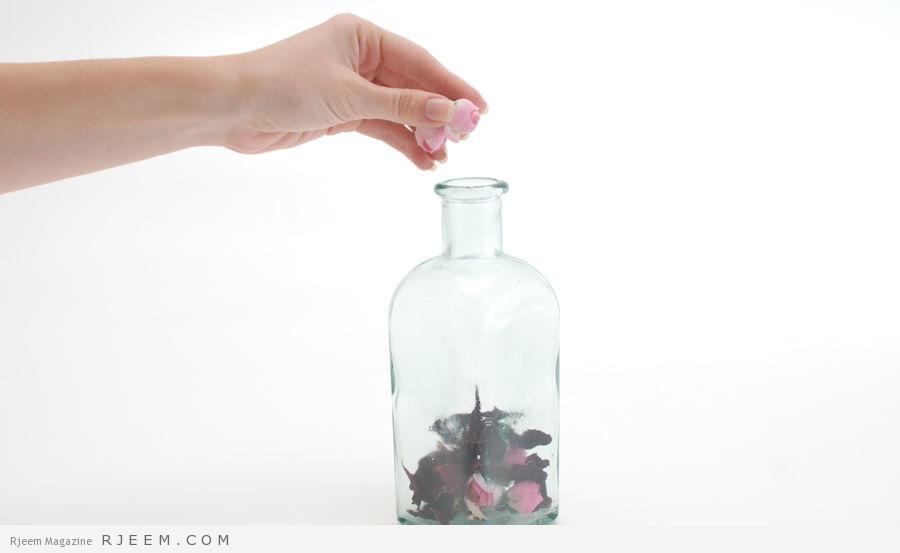 Photo of بتلات الورد للبشرة