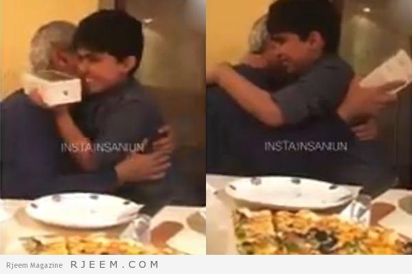 Photo of شاهد: ردة فعل طفل سعودي قدم له والده هدية جوال بمناسبة نجاحه