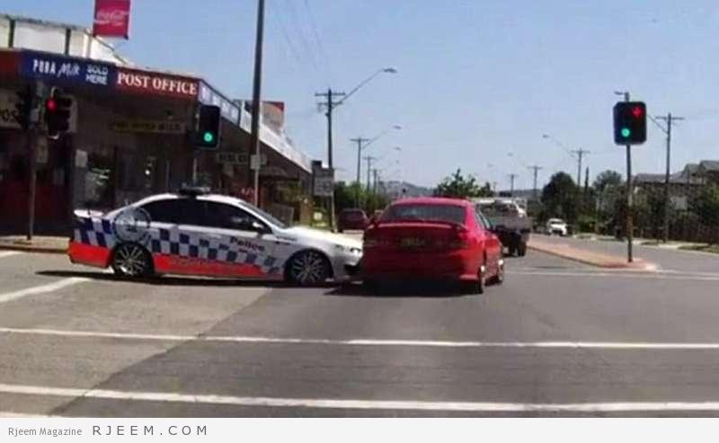 Photo of فيديو: أغرب طريقة لإيقاف سيارة في إشارة مرور بأستراليا