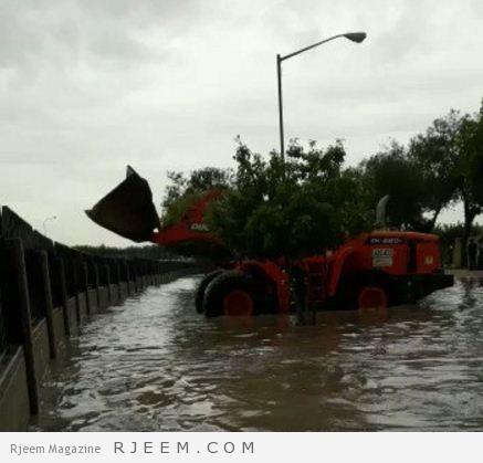 Photo of شاهد: تصريف مياه الأمطار المتراكمة بجامعة الملك فهد للبترول والمعادن بالشيول!