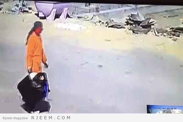 Photo of فيديو: كاميرا مراقبة ترصد تصرف غريب من عامل نظافة.. ومطالب بمحاسبته