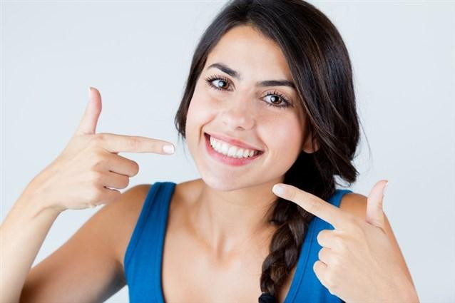 Photo of تعرفي على فوائد زيت الزيتون لصحة الفم والأسنان