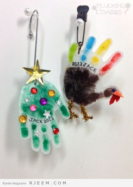 Holiday Handprint Charms : A fun craft for kids, use them to make ornaments or heartfelt holiday gifts!   PluckingDaisies.com