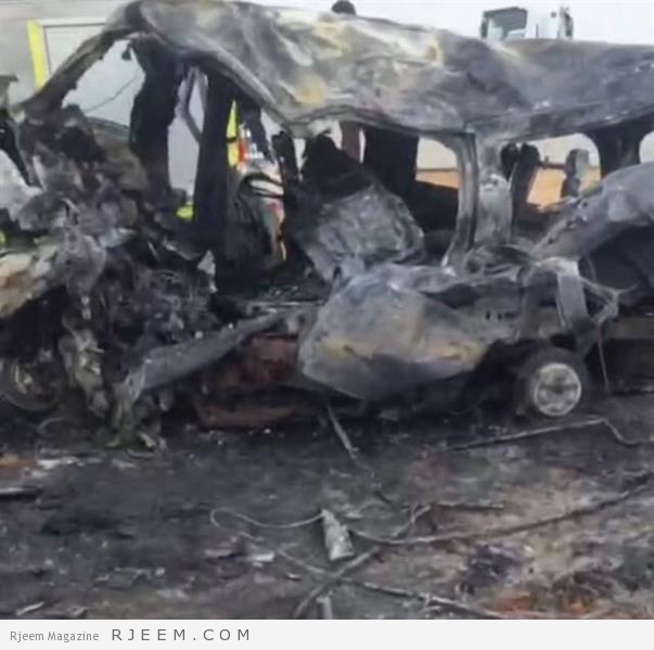 Photo of فيديو وصور: حادث مروع يؤدي لاشتعال النار في مركبتين ومصرع 12 شخصًا بينهم عائلة بطريق الرين
