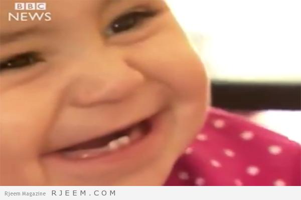Photo of فيديو مؤثر: طبيب بريطاني يلتقي أخيراً طفلة سورية لم تفارق خياله منذ التقاها