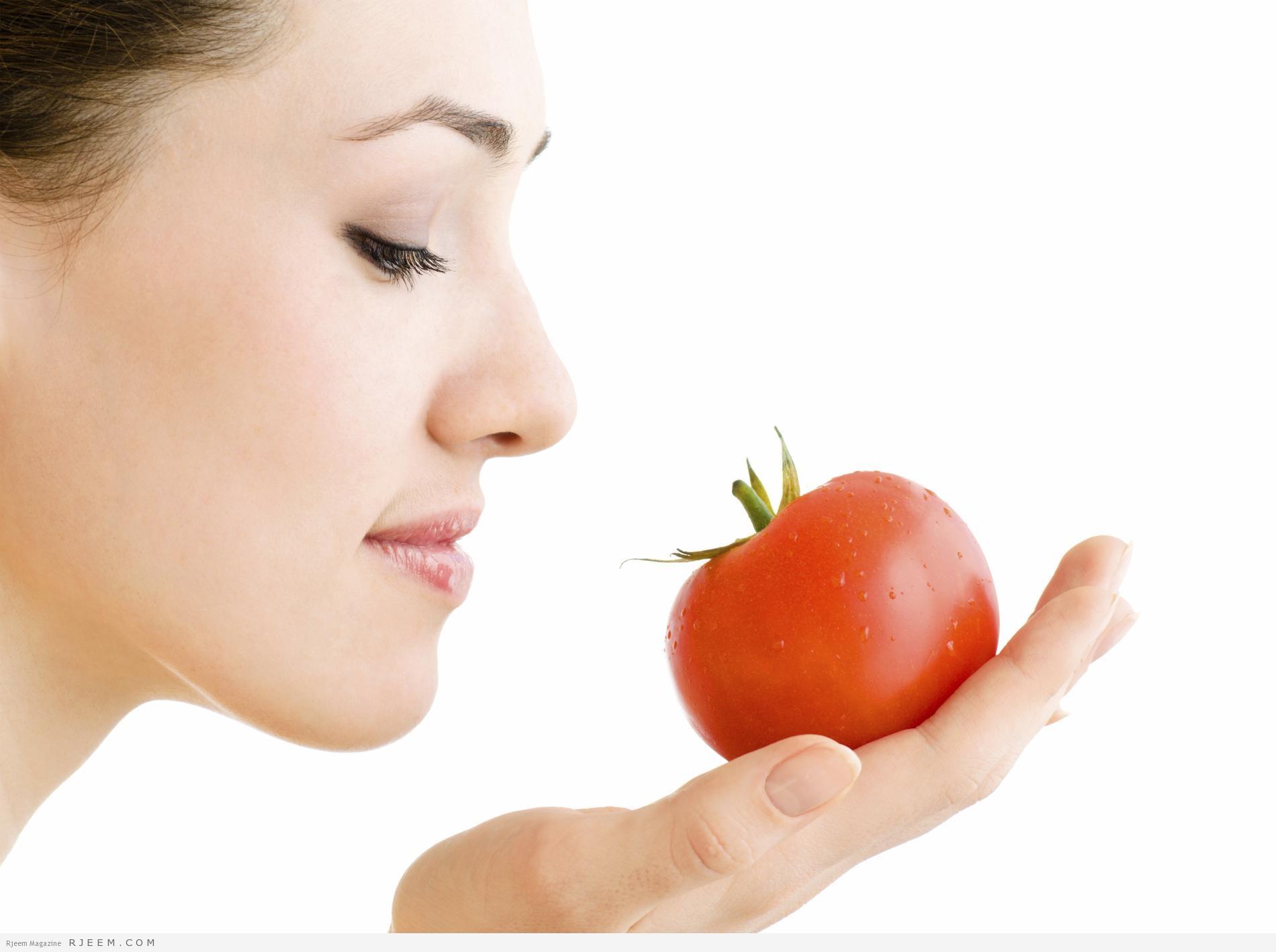Photo of قناع العسل والطماطم لتفتيح البشرة