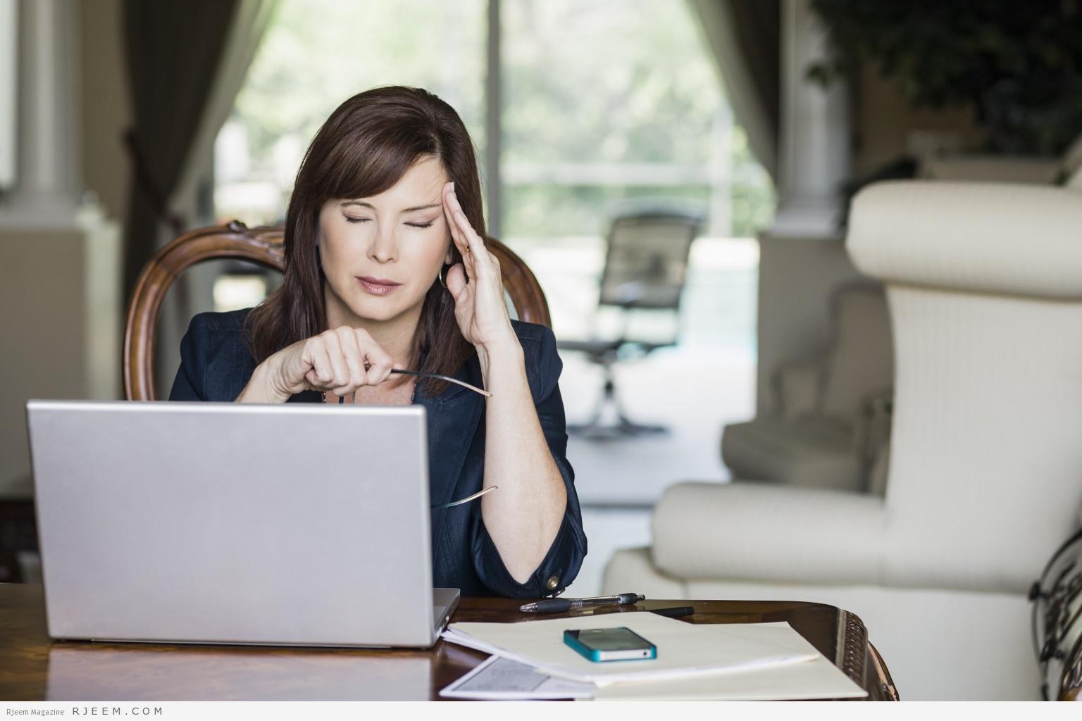 Photo of كيف تعرفين أن عملك يضر بصحتك؟