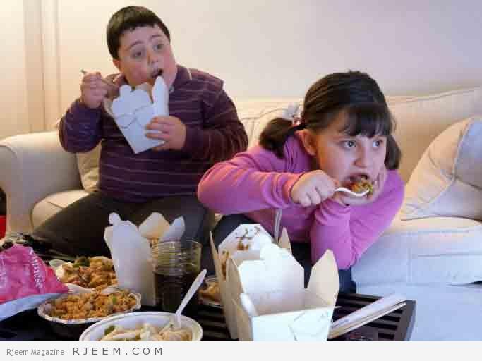 Photo of تناول الطعام أثناء مشاهدة التلفزيون يسبب البدانة