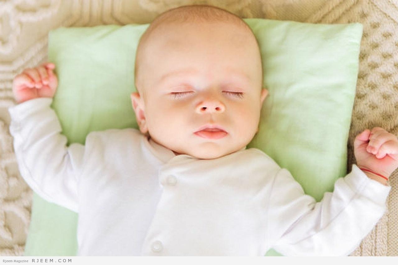 Photo of نوم الرضيع في فراش والديه خطر على صحته