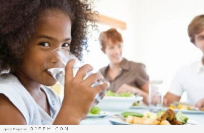 Photo of احذر شرب الماء مع الأكل لتفادي هذه المشاكل