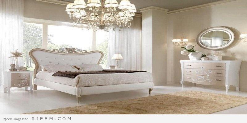 غرف نوم باللون الابيض مع سجادة ككاوي
