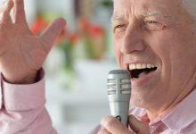 Photo of دراسة حديثة: الغناء قد يكون علاجاً جيداً لمرضى داء باركنسون!