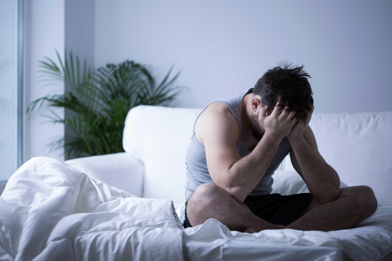 a948ebfc7d859 وترجع إصابة أو تعرض الرجال لتلك المتلازمة التي تشبه أعراضها أعراض الدورة  الشهرية إلى تعرض الرجل إلى دورات هرمونية فيمر عليه بعض الوقت يرتفع فيه معدل  هرمون ...