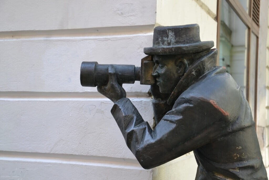 5841325-Bronze_Statues_Bratislava