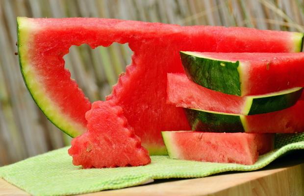 فوائد البطيخ في حرق الدهون وعلاج ارتفاع ضغط الدم