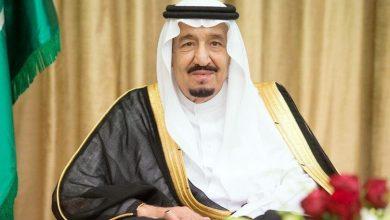 Photo of خادم الحرمين يتسلم التقرير السنوي الـ53 لمؤسسة النقد