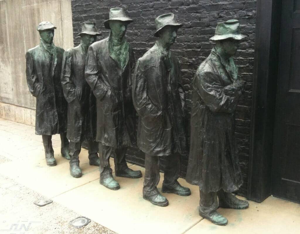 Great-Depression-Bread-Line-Statue-New-Jersey-USA