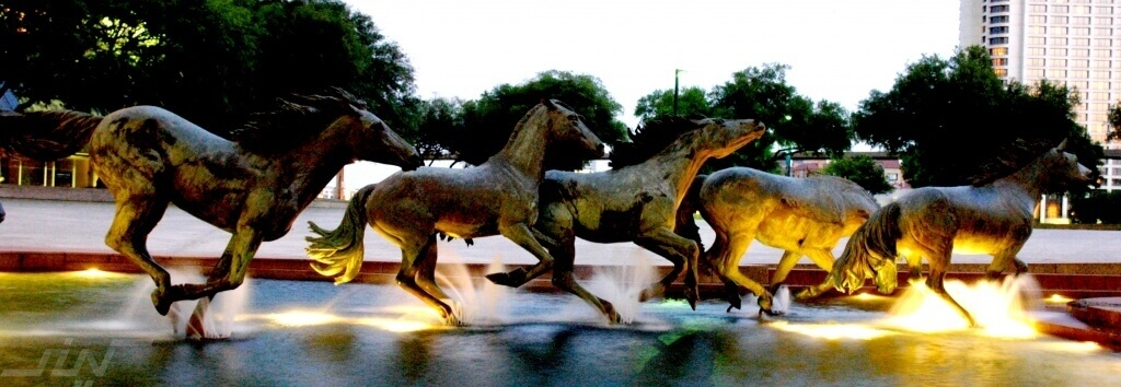 Mustangs-By-Robert-Glen-Las-Colinas-Texas-USA