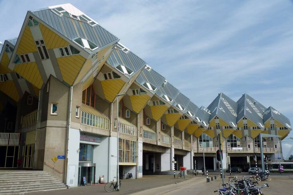 Rotterdam_Cube_House_street_view