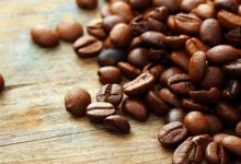 Photo of جربي خلطة القهوة والعسل لنضارة البشرة
