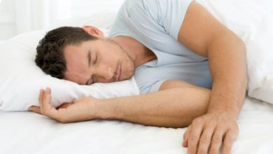 Photo of لماذا يشعر الرجال بالنعاس بعد العلاقة الحميمية؟