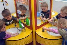 Photo of الغسل السليم لليدين يحمي الأطفال من الأمراض
