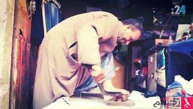 "Photo of فيديو 24  عم فارس: ورثت مهنة ""مكوجي الرجل"" من 100 سنة"