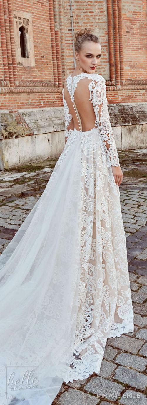 7889dddda كل عروض أزياء المصممين العالميين تتضمن فساتين زفاف منفوشة، أو متعددة  الطبقات، لكن أي عروس تختار هذا النوع من الفساتين؟