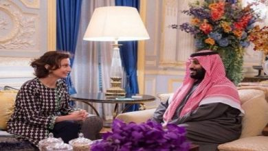 Photo of ولي العهد يجتمع مع مديرة اليونسكو