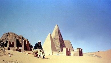Photo of آثاريون يفتحون مقبرة في أهرامات السودان بحثاً عن رفات الملك خلماني