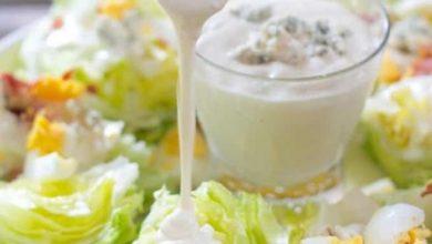Photo of سلطة الخس والجبن الأزرق
