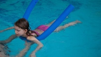 Photo of هذه الوسائل تُمكن الأطفال من السباحة