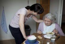 Photo of لماذا يفقد مرضى الخرف الرغبة في تناول الطعام؟