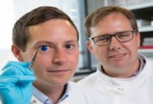 Photo of علماء ينتجون أول قرنية عين اصطناعية بتقنية الطباعة ثلاثية الأبعاد