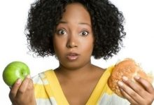 Photo of كيف تؤثر الوجبات السريعة والفواكه على خصوبة المرأة؟