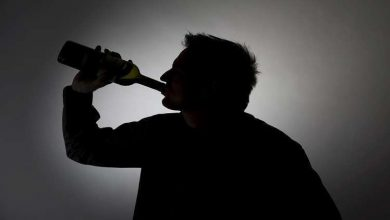 Photo of العلماء يختبرون عقارا جديدا للتخلص من إدمان الكحول